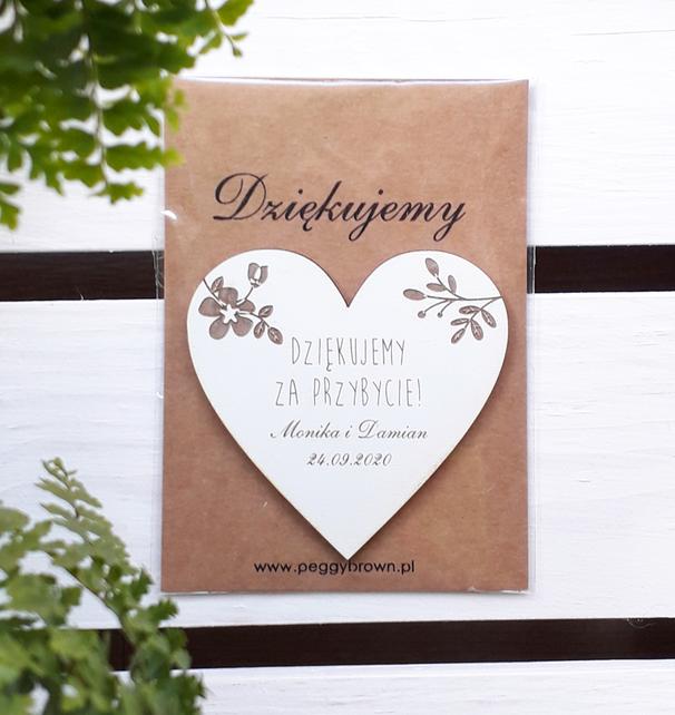 Drewniane magnesy ślubne - serca z grawerunkiem