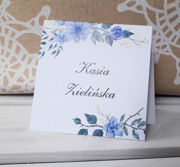 Wizytówki na stół z niebieskimi kwiatami - Szafirowy wianek